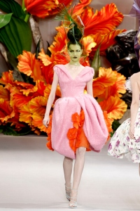 A COLORFUL STATE OF MIND FOR 2011: DIOR COUTURE and ARTIST TASYA VAN REE