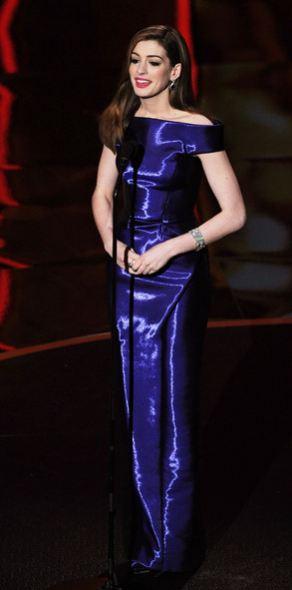 Anne Hathaway presenting Oscars 2011