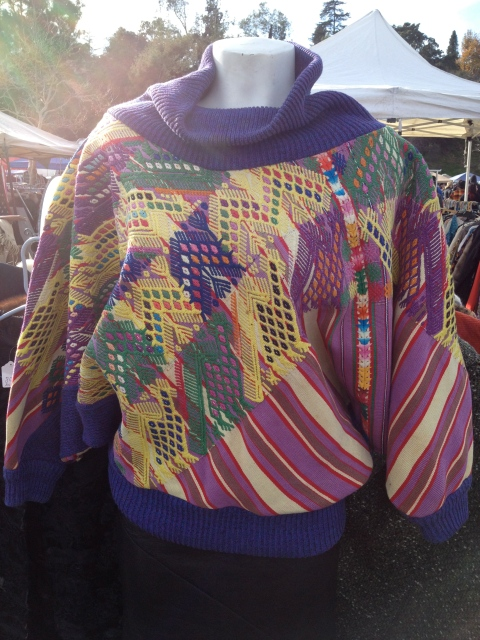 Such great embroidery on this pullover.  Totally feeling this art lady vibe.