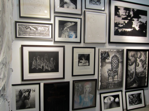 I'm always a fan of a wall of black and white photos!